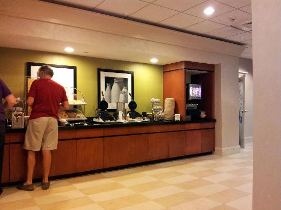 Hampton Inn Ft. Lauderdale /Downtown Las Olas Area, FL.: Breakfast area