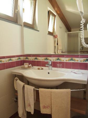 Relais Villa Angiolina: Bathroom