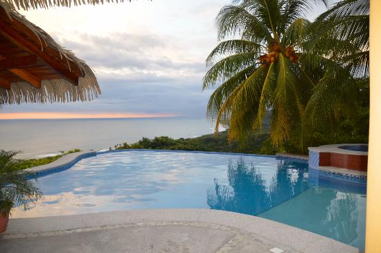 Hotel Vista de Olas: View from the pool.