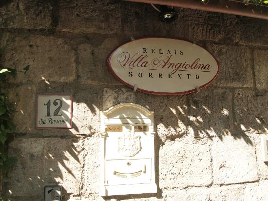 Relais Villa Angiolina: Hotel sign