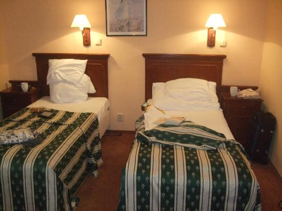 BEST WESTERN PLUS Hotel Meteor Plaza: Very comfortable room