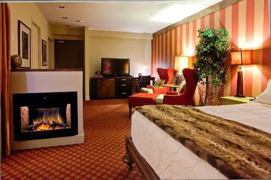 Le Champlain Hotel: Suite with 2 queen size beds