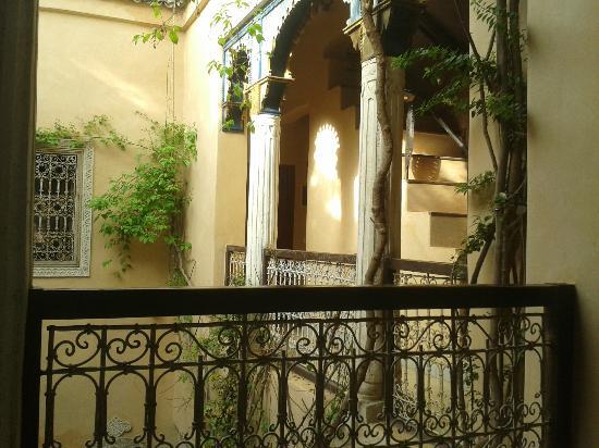 Riad Armelle: Terasse