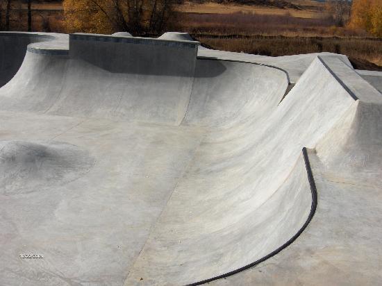 Bear River Park: Cement ramps