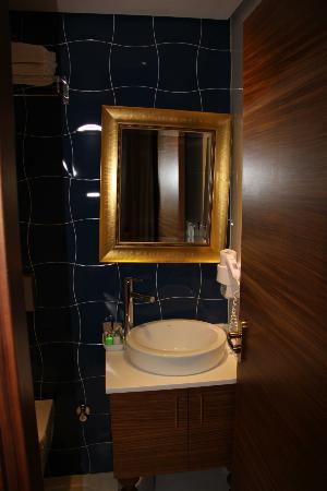 "Nowy Efendi Hotel ""Special Class"": Espejo Baño"