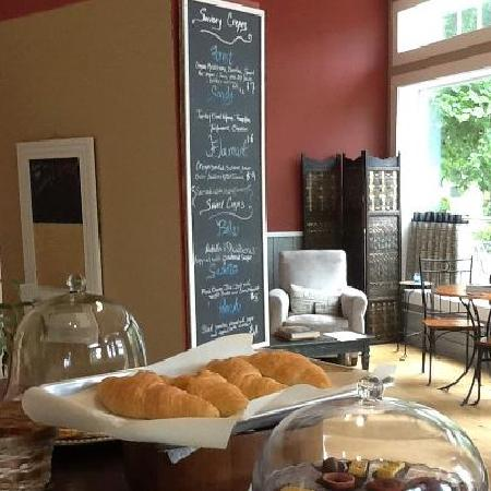 Cafe C'est La Vie: Our Famous Butter Croissants in all their glory!