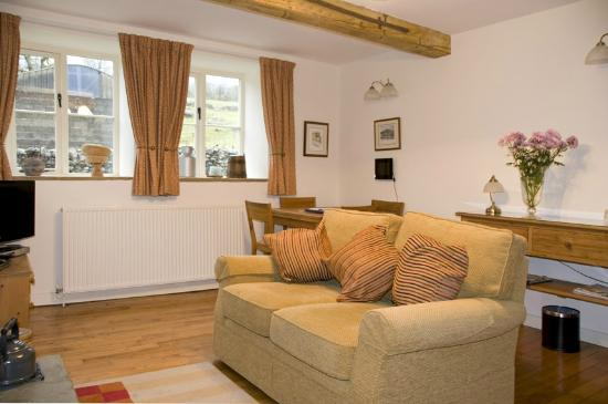 Croft Gate Bed and Breakfast: The Shippon Lounge