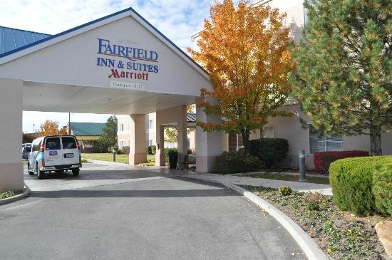 Fairfield Inn & Suites Salt Lake City Airport: Outside entrance