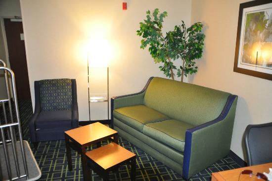 Fairfield Inn & Suites Salt Lake City Airport: Inside our room