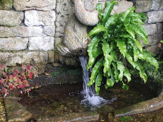 Painswick Rococo Garden: water fountain