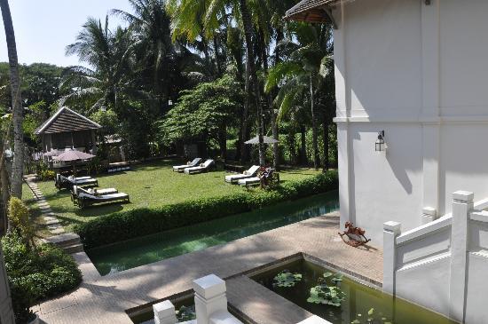 Satri House: jardin et petite piscine