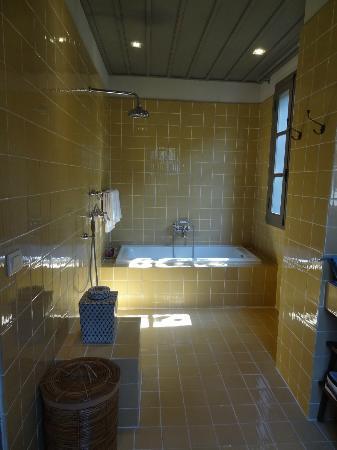 Satri House: salle de bains