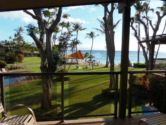 Napili Kai Beach Resort: View from our room in the Honolua building
