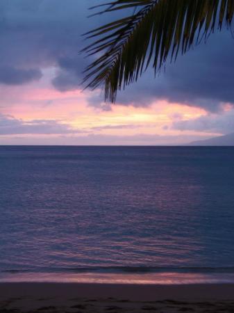 Napili Kai Beach Resort: Sunset on the beach
