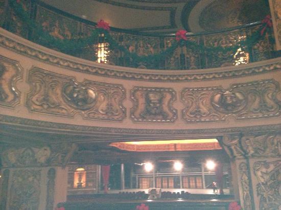 The Fox Theatre : Theatre lobby