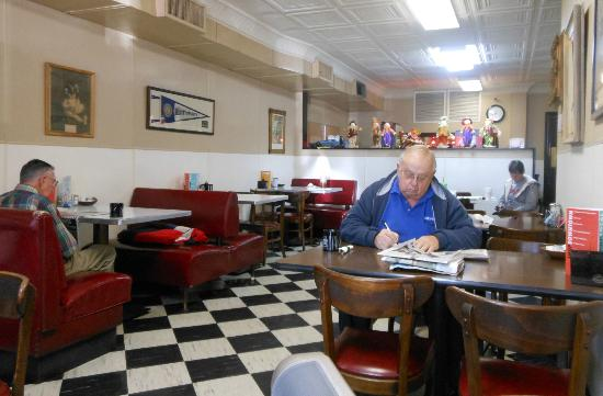 City Cafe: Dining area
