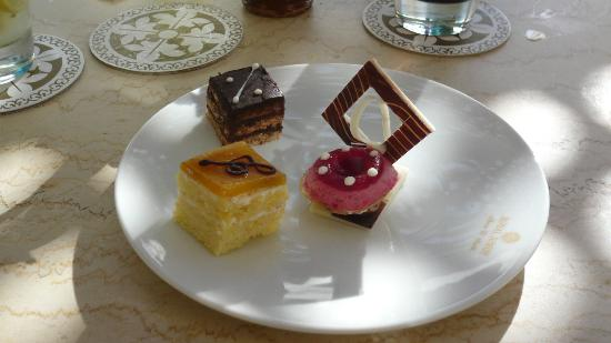 The Royal Savoy Sharm El Sheikh: Canapes at lunch time( Superb)