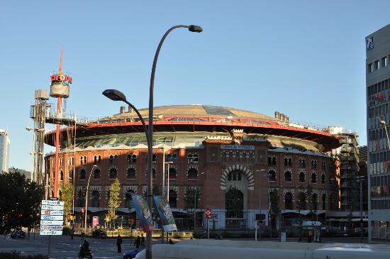 Hostal Baler: Barcelona Arena at 250 meters distance