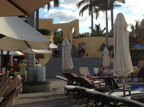 Royal Hideaway Playacar: pool area