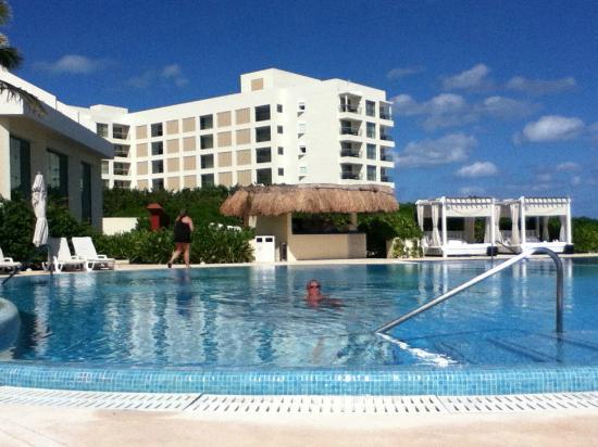 Live Aqua Beach Resort Cancun: Another Pool