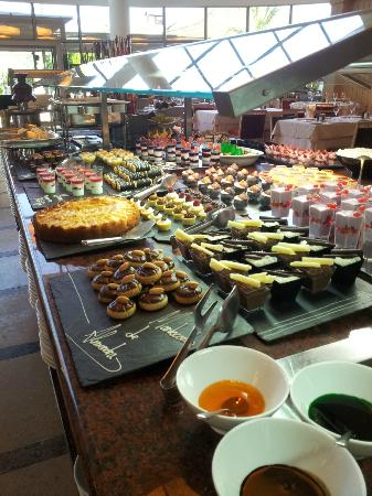 Protur Biomar Gran Hotel & Spa: I told you - the best buffet I have ever had.