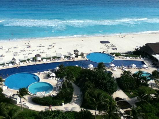 Live Aqua Beach Resort Cancun: 9th Floor view - Amazing
