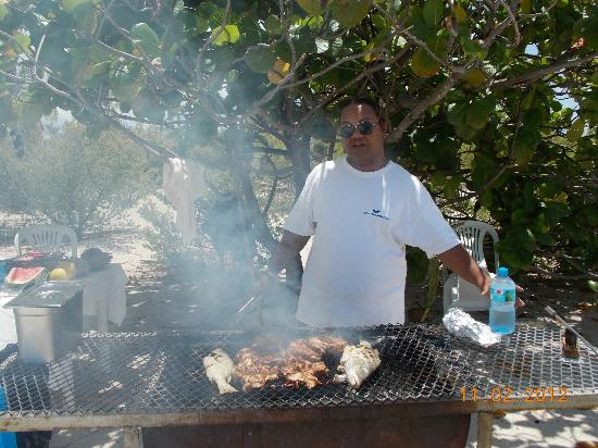 Tikehau Pearl Beach Resort: BBQ Picnic Excursion - Chef Bachou!!