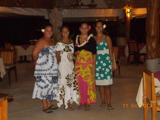 Tikehau Pearl Beach Resort: Dining Wait Staff