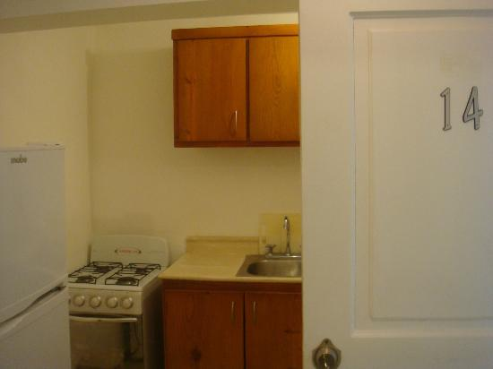 ApartHotel Green Coast: Kitchen