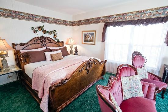Bradford House Bed and Breakfast - Rhapsody Inn: The Heaven Sent Suite
