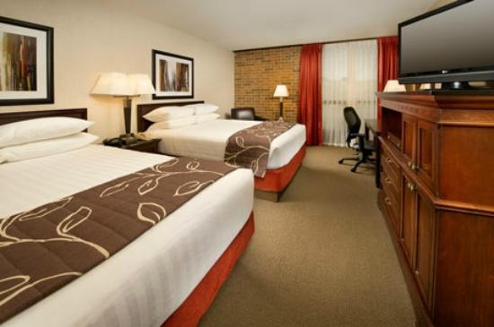 Drury Inn Shawnee Mission Merriam: Deluxe Room