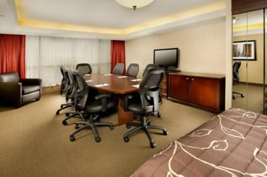 Drury Inn Shawnee Mission Merriam: Sleeping & Meeting Room