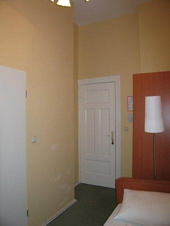 Hotel Abendstern: Single room II