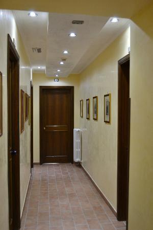 Hotel Bosone Palace: Corridoio