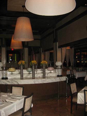 Terra Rossa Italian Cuisine at Red Rock Casino Resort & Spa: Serving table in dining room