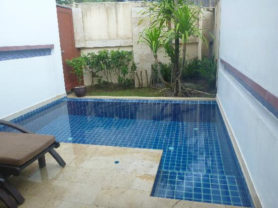 La Flora Resort Patong: Our in-room pool