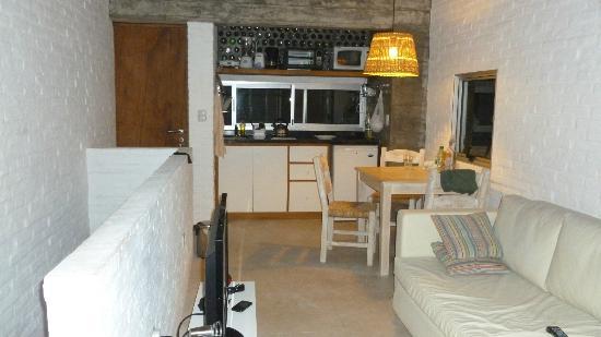 Complejo de Apartamentos Miralejos: Cocina-Living
