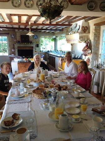 Moulin de Hard: The Breakfast Area