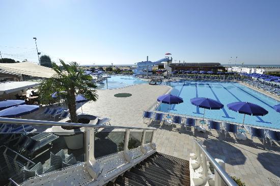 Hotel Cesare Augusto: Panoramica piscine