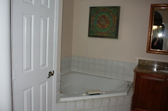 Grande Villas Resort : Master Bathroom