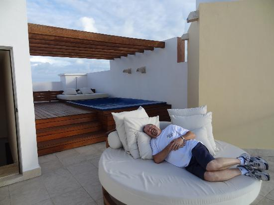 Excellence Playa Mujeres: This was the 2nd floor of our room