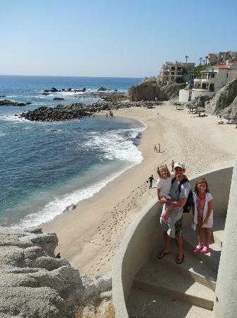 Welk Resorts Sirena Del Mar: Down the many stairs to the beach
