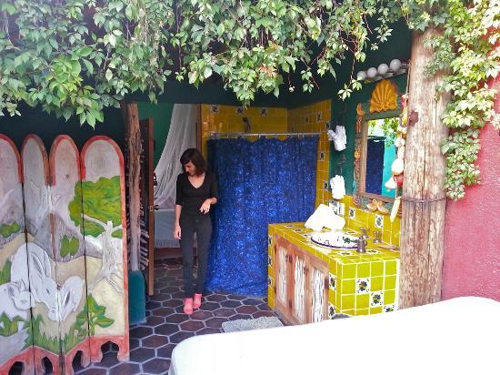 El Nido at Hacienda Escondida: Open bathroom