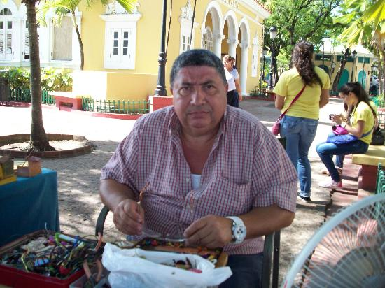 Old San Juan: Salvatore, Sidewalk Vendor