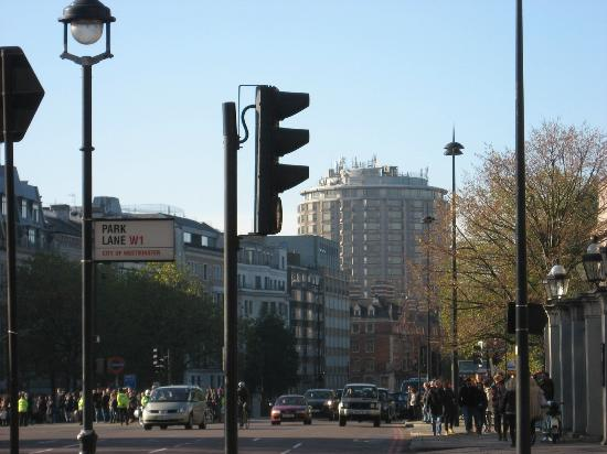 The Park Tower Knightsbridge, A Luxury Collection Hotel, London: View of the hotel from Hyde Park Corner