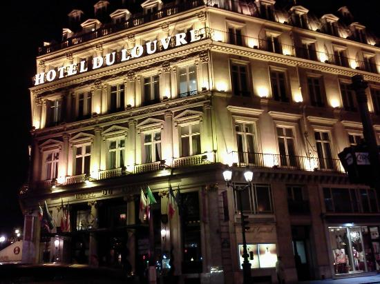 Hotel du Louvre: View from the restaurant across the street