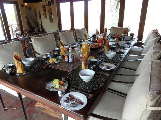 Naledi Bushcamp and Enkoveni Camp: Le petit-déjeuner