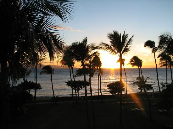 Marriott's Maui Ocean Club  - Lahaina & Napili Towers : Never miss the sunsets! Every one is unique and beautiful!