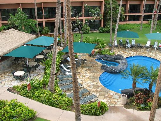 Marriott's Maui Ocean Club - Molokai, Maui & Lanai Towers: Napili pools and bar