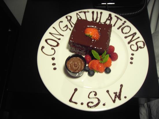 La Suite West: Complimentary birthday cake